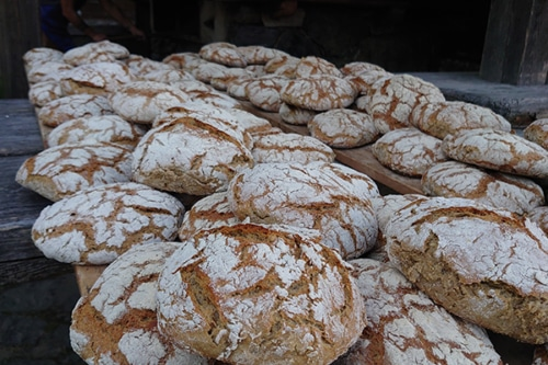 MMM Museum – Brot backen am Berggasthof