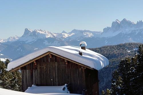 Winterwandern auf der Villanderer Alm mit Südtiroler Almgenuss