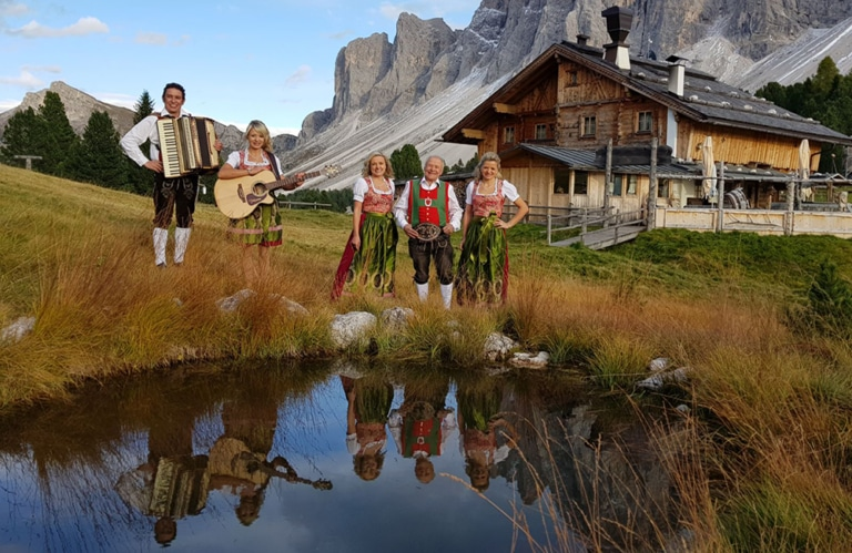 """Die Geschwister Niederbacher """"Bergeskinder aus Tirol"""""""
