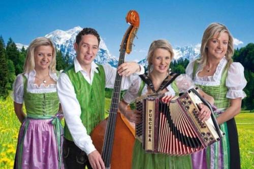 """Wenn die Alpenrosen blühen mit den """"Geschw. Niederbacher"""""""
