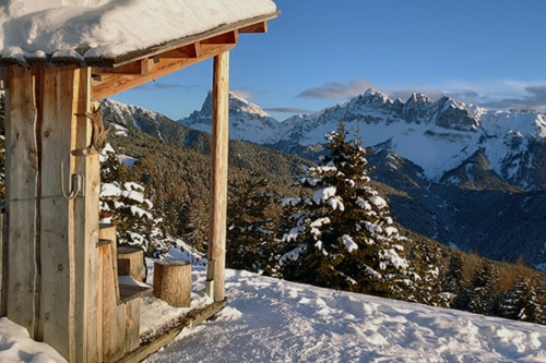 Winterwandern auf der Plose, dem Hausberg von Brixen mit Südtiroler Almgenuss