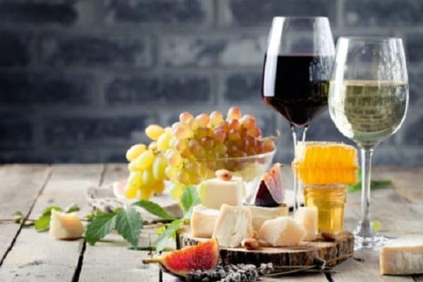 Wein und Käse 600×400